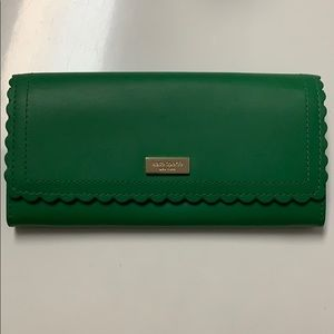 Kate spade scalloped full size wallet